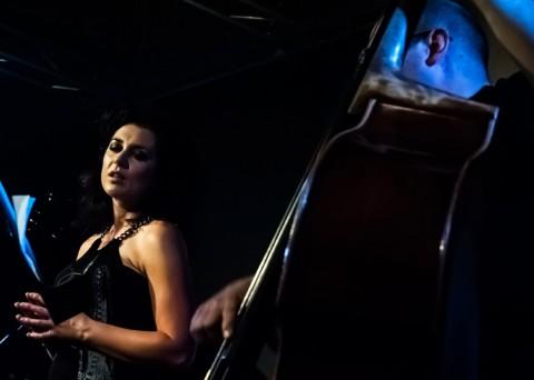 Gina Bobassi - wokal